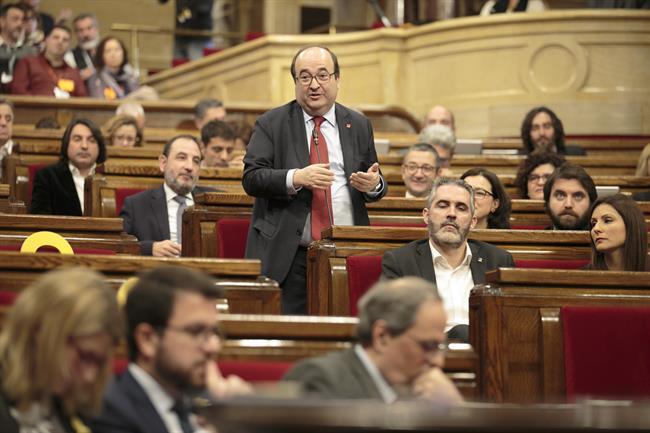 El Parlament rechaza la designación de Miquel Iceta como senador