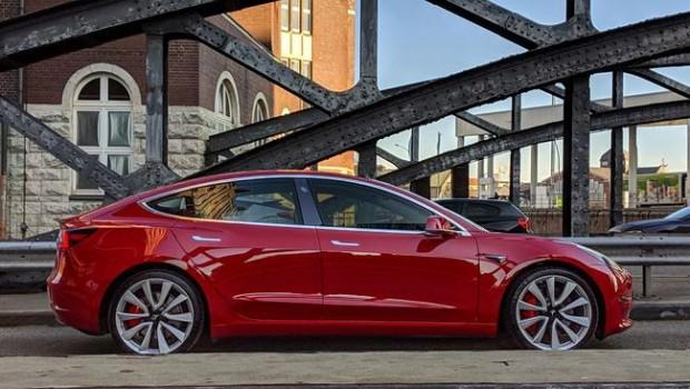 Tesla planea eliminar al 7 por ciento del personal por difícil panorama