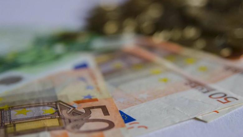 ep archivo   billetes y monedas en euros