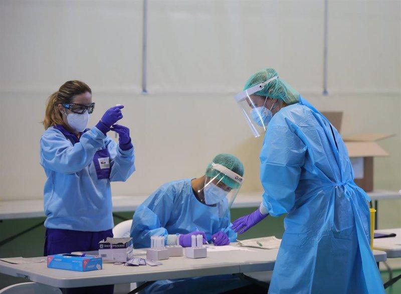 Sanidad registra 3.432 nuevos contagios por Covid, la cifra más baja desde el 13 de agosto
