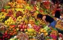 fruit stall in barcelona market min