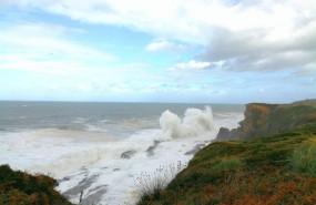 ep olas en cantabria alerta por fenomenos costeros adversos y fuerte viento en el litoral temporal