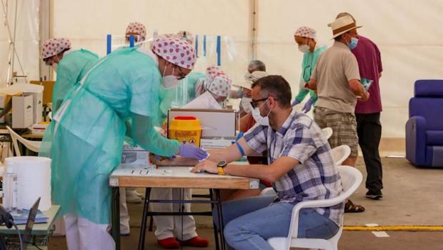 ep vecinos del municipio madrileno de torrejon se realizan una de las pruebas diagnosticas de