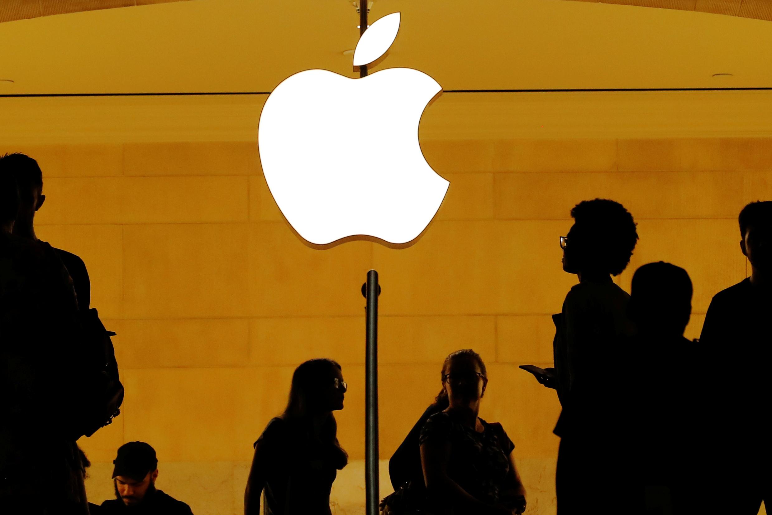 Apple dice que Spotify quiere beneficios de una aplicación gratuita sin serlo
