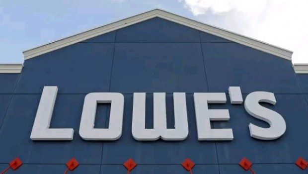 Lowe's Q2 Profit Misses Estimates; Comps. Up 4.5%