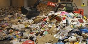 centre-de-recyclage-de-cartons-papier-et-plastique-a-paris