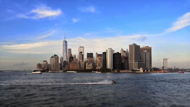 dl new york city nyc ny us usa united states of america manhattan skyline city finance trading nyse dow jones sp nasdaq dollar dollars usd fed federal reserve