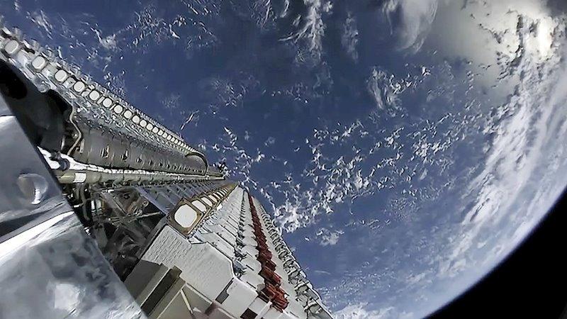 ep lanzamiento de satelites de spacex como parte del servicio de banda ancha starlink