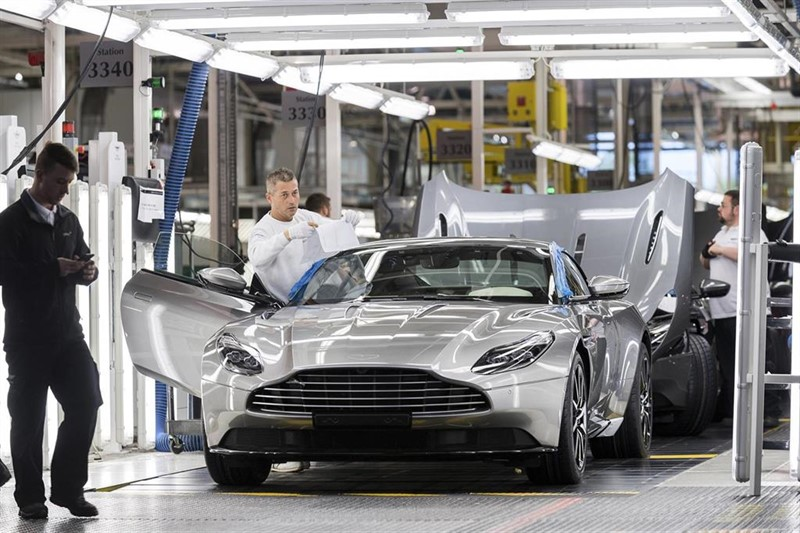 Aston Martin closes in on £200m rescue deal