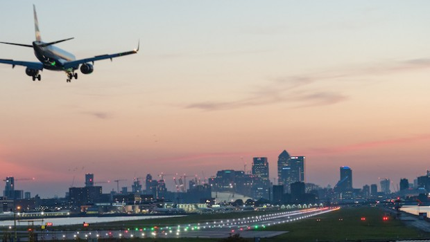 london city airport landing