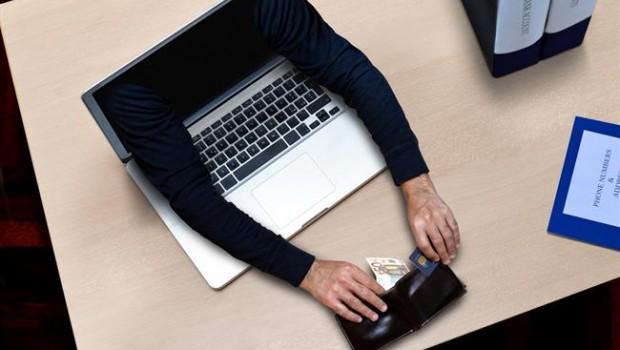 ep estafas fraude online trajeta dinero efectivo billete