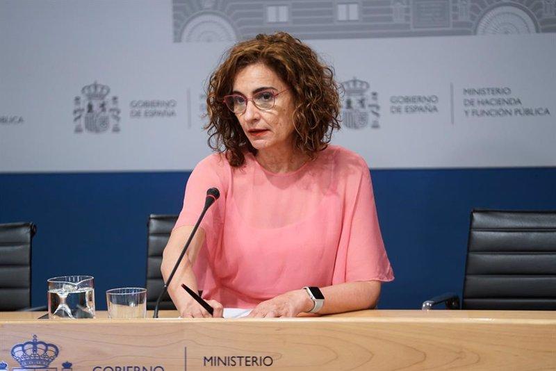 https://img2.s3wfg.com/web/img/images_uploaded/a/3/ep_la_ministra_de_hacienda_y_funcion_publica_maria_jesus_montero_ofrece_una_rueda_de_prensa_tras.jpg