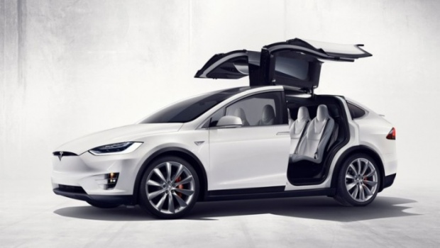 article-tesla-model-x-70d-version-acceso-565581723918a-700x394