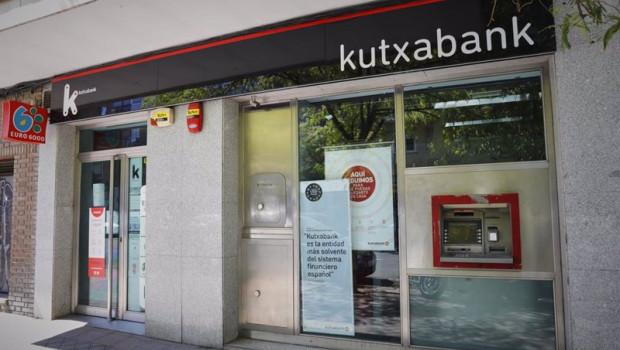 ep archivo   exterior de sucursal de kutxabank