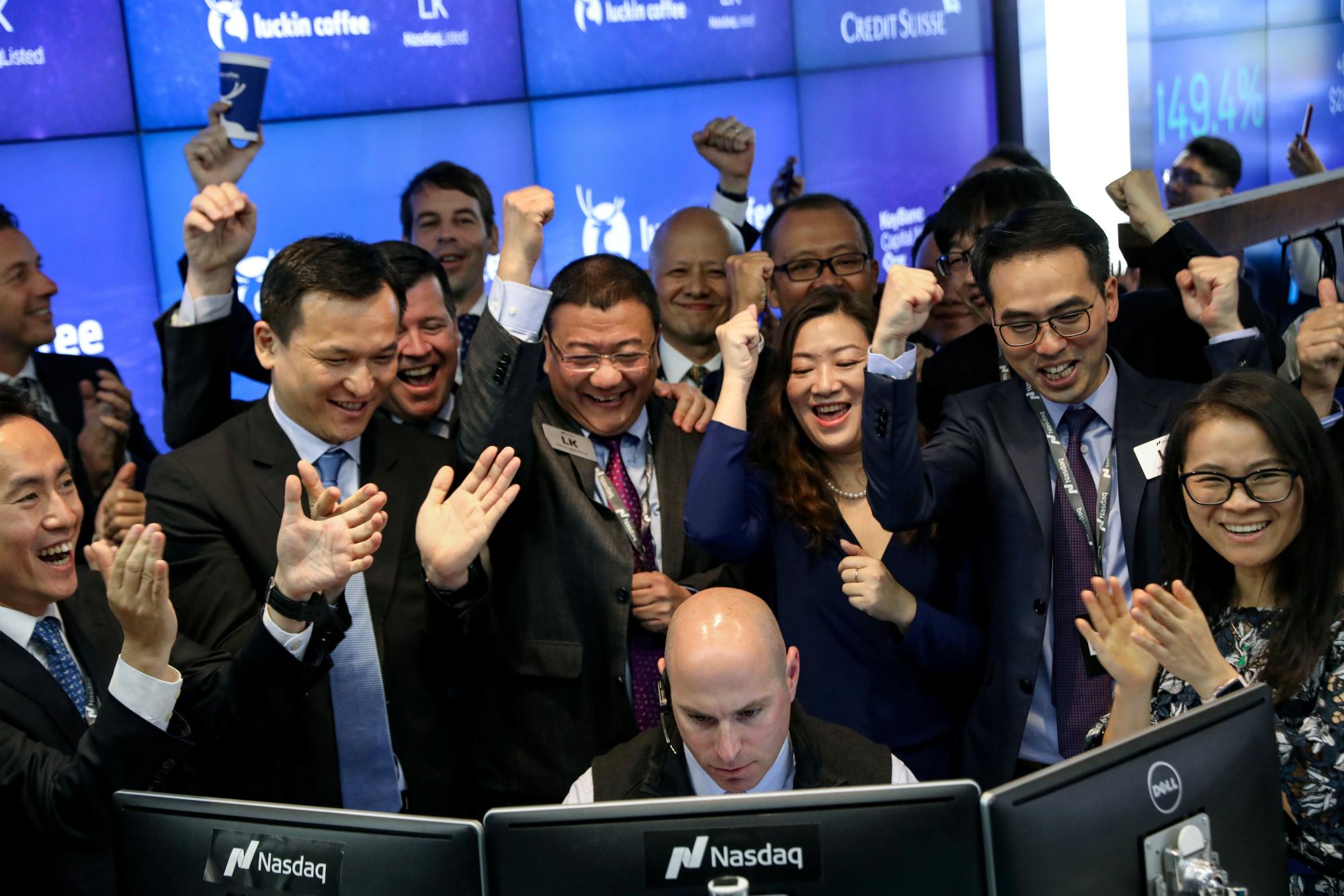 grupo-inversores-alrededor-trader