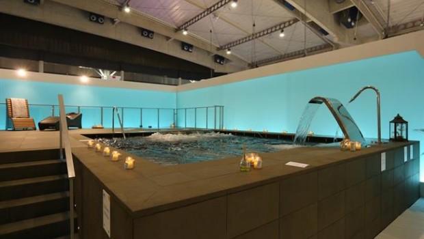 Fira espanya t piscines d 39 s p blic amb una for Piscina wellness barcelona