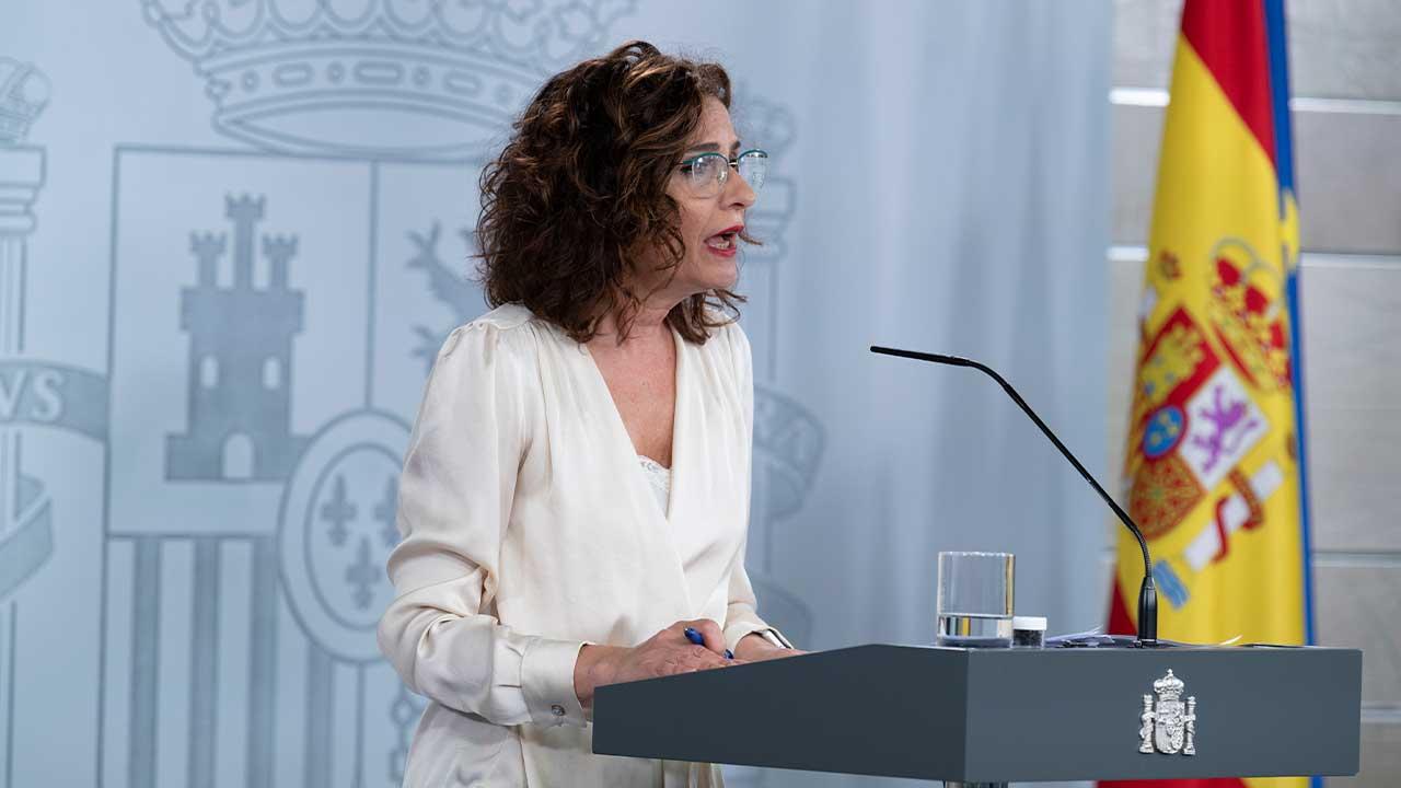 https://img2.s3wfg.com/web/img/images_uploaded/b/f/maria-jesus-montero-rueda-de-prensa-moncloa.jpg