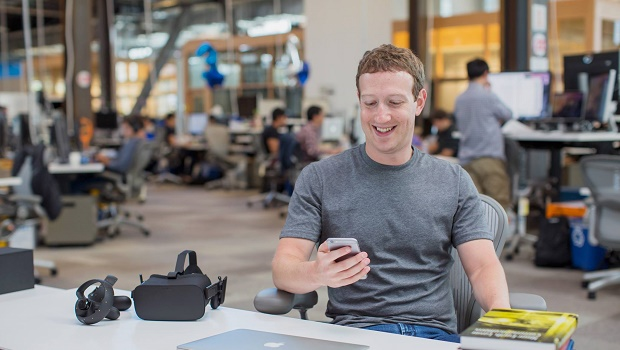 Mark Zuckerberg to appear in court as Facebook face VR theft claims
