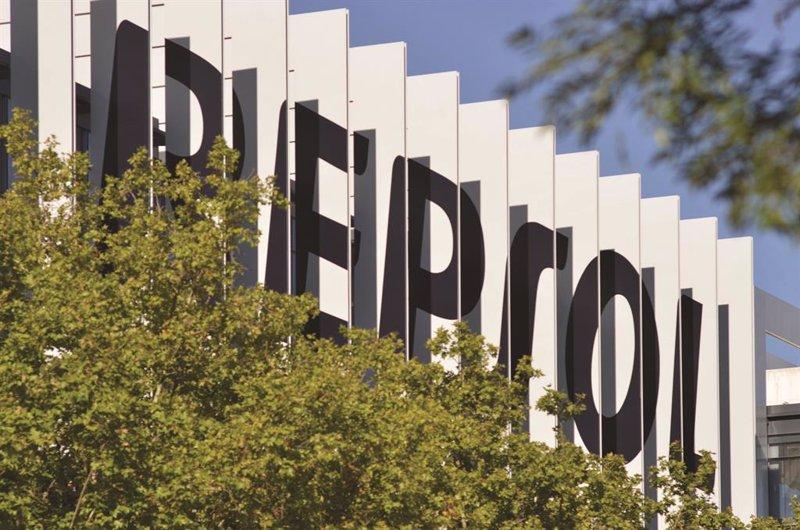 Repsol acuerda pagar el 7 de julio un dividendo de 0,30 euros por acción