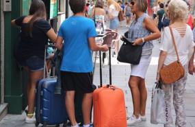 ep archivo   el gasto turistico de los espanoles fuera de su residencia aumento un 19 en el tercer