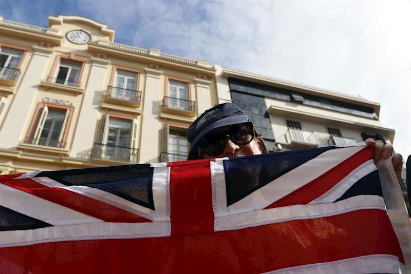 La libra confirma un gran doble techo tras la aplastante victoria de Boris Johnson
