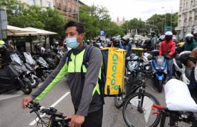 ep varios riders a su llegada al congreso durante una manifestacion a 11 de mayo de 2021 en madrid